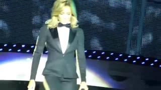 Helene Fischer Wahnsinnsoutfit bei Liveauftritt