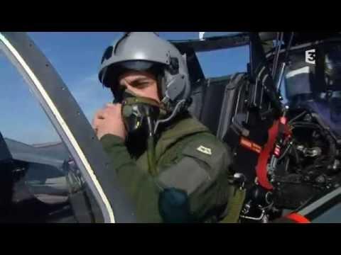 Sous le casque d'un pilote de chasse