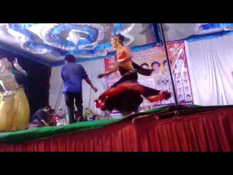 Xxx Mp4 चौधरी लागे घने रो फुटरो राजिस्थानी गाने पर डांसर रानु निमाड़ ने धूम मचा दी Dancer Ranu 3gp Sex