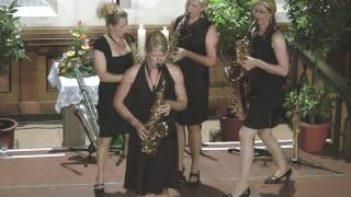 Saxophonquartett sistergold spielt Eigenkomposition Earl Queen
