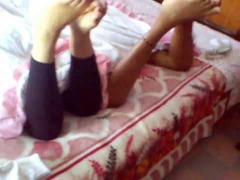 coskillas en los pies de mi esposa y su amiga
