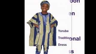 AFRICA CHILDREN IN TRADITIONAL DRESS