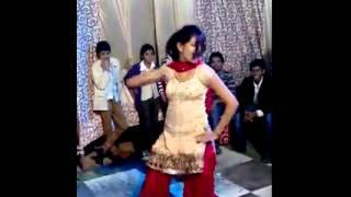 Indian Girl Dancing on DJ - Indian Girl Dancing on Punjabi Song