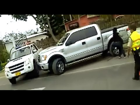 INCREÍBLE ESCAPA DE RETEN POLICIAL entre 5 Patrullas No 8 PPyM