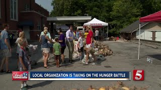 One Gen Away Donates Food To Those In Need