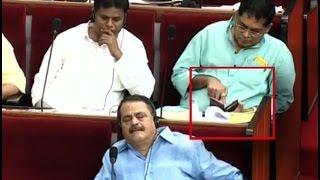 शर्मनाक ! Odisha के Congress MLA Assembly में PORN देखतें पकड़े गये