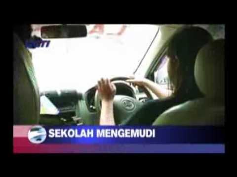 Cara Menyetir Mobil dengan Baik