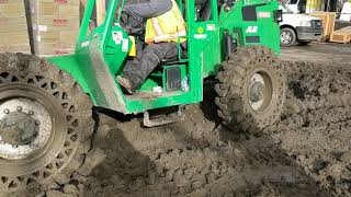 Very heavy equipment stuck in thick mud can we get it out let's see!!!
