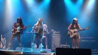 COUNTRY SISTERS - Thanks God I'm a Country Girl