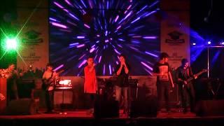 IIT, DU students performing 'Bondho Janala' | Freshers Reception & Farewell 2017