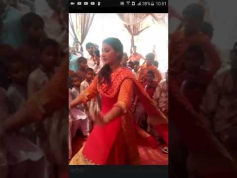 Hot desi girl dance on beautiful song dhola sanu pyar deyan nashiyaan tey laa k