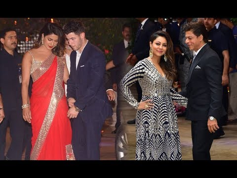 Xxx Mp4 Priyanka Chopra With BF Nick Jonas Come In Front Of Shah Rukh Khan Here 39 S What Happened Next 3gp Sex