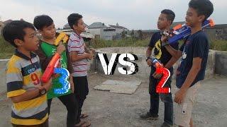 Nerf War : 2 vs 3!