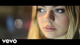 Louane - Nos Secrets (Vidéo Lyrics Officielle)
