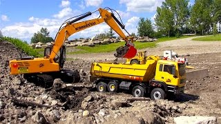RC ADVENTURES - 1/12 Scale Earth Digger 4200XL Excavator & 1/14 8x8 Armageddon Dump Truck