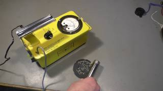 PWJ60 - Look inside a Geiger counter from 1963 (CD V-700 ENI)