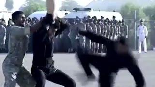 عرض عسكري مضحك للقوات الخاصة الإيرانية