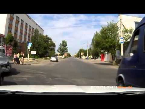 Vaizdai iš Rusijos kelių vaizdo registratorių 2013 .06.