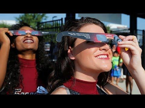 Live: total solar eclipse 2017
