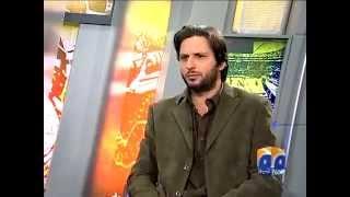 fighting in pakistan talk show