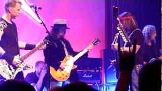 Metallica w/ Guests - Tuesday's Gone (Live in San Francisco, December 9th, 2011)