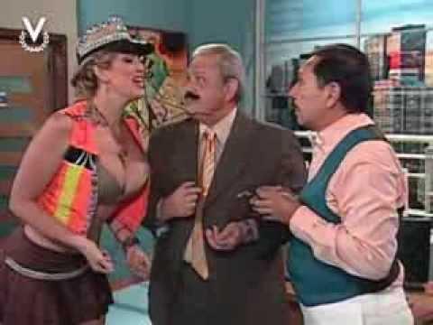 ¡A Que Te Ríes Sabrinita sorprende a Navarrete vestida de fiscal de tránsito