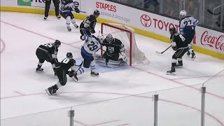 Kings pay the price for leaving Patrik Laine untouched in front of the net