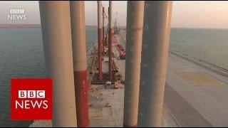 Russia's billion-dollar bridge to Crimea - BBC News
