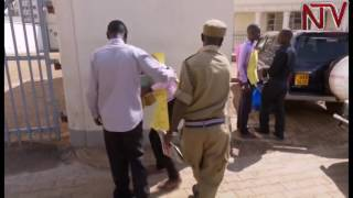 Ndejje students storm ministry of education offices