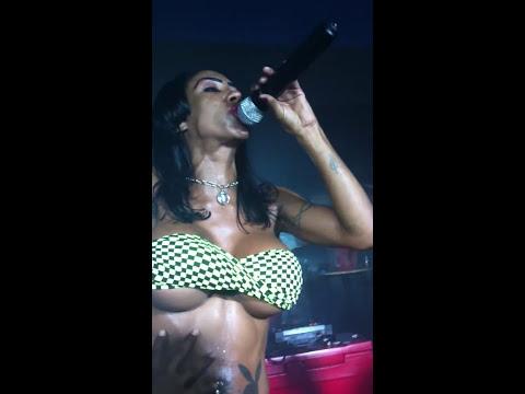 Inês Brasil em 4 anos de Cafe com Vodka Open Bar Explicit