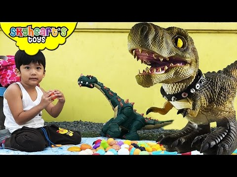 Picnic with our PET DINOSAURS Playtime in Park with Jurassic World dinosaur toys for kids