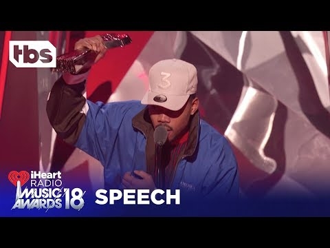 """Pharrell Gives Chance the Rapper """"Innovator of the Year"""" Award: 2018 iHeartRadio Music Awards 
