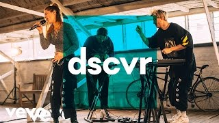 Off Bloom - Falcon Eye - Vevo dscvr (Live)