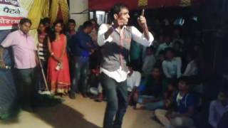Stage Dance Performance on Cycle se aaya Seelam, Kaho na Pyar hai, and Dance K Legend