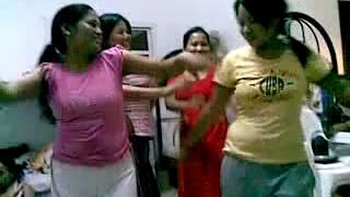 QATAR MA NEPALI KETI HARUI KO DANCE BY {TAYPE KETA}