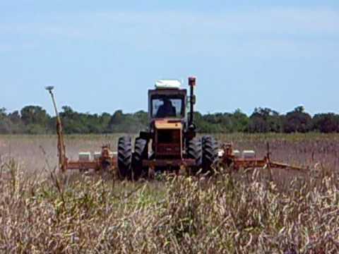 Tractor Zanello sembrando soja La Matanza Quitilipi chaco