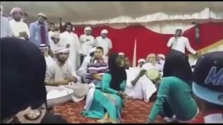 شاهد بنت تنام على ولد و ترقص معلاية جديدة 2017