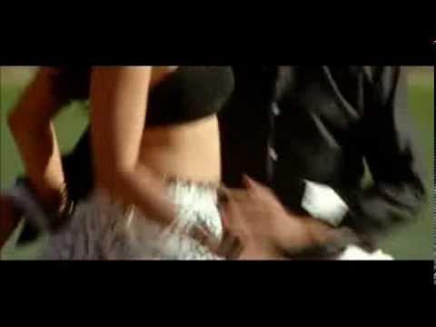 Anushka Saree Removal Scene , Bra Adjusting