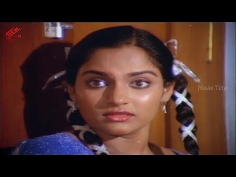 Madhavi In Small Scene    Chattaniki Kallu Levu Movie    Chiranjeevi, Madhavi