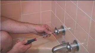 Plumbing Advice: Bathroom & Kitchen : Handling a Leaking Bath Faucet
