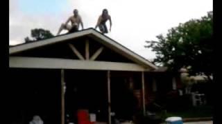 Aaron1.5 Roof jump.3gp