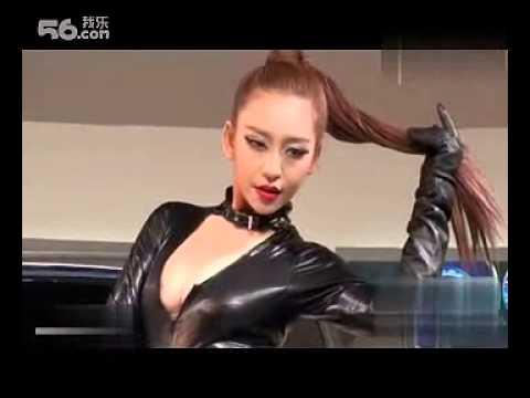 广州� �展嫩模豪放半乳,火爆人气获封一姐封号!才18岁啊!