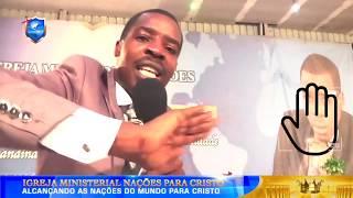 Coloque a mão no ecrã e ore com o apóstolo Onório