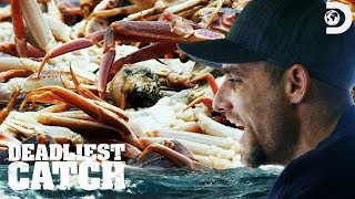 Jake Hits the Crab Biomass | Deadliest Catch