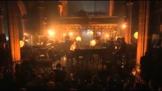 Alicia Keys Sings to the Heavens