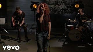 Alessia Cara - Wild Things (Live) (Vevo LIFT)