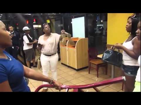 Girl Fight Breaks Out At a Popeyes Restaurant