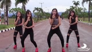 Nkauj hmoob Nasxaslas pab 1 kev sib tw dance # 1 vim kuv seev cev