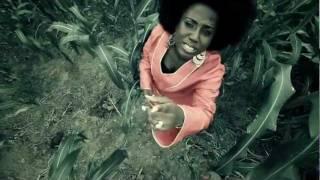 Eye Woa - Diana Hamilton