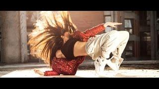 #جديد 🆕 العالم لما بيرقص علي أغنية أجنبي 🌎 🔊 🎶 :D